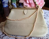 Vintage Hand Purse in Cream, c. 1950s.  Mad Men Style, Shabby Chic