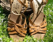 Vintage 70s Hippie Boho Thom McAn Caramel Honey Woven Strappy Wedge Cork Sandals 8