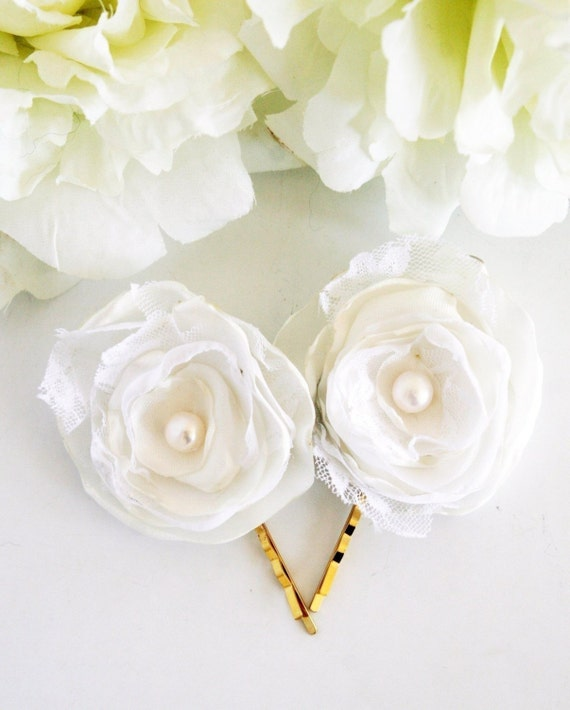Buy 1 Get 1 SALE -Narcissus bloom - 2 hair pins