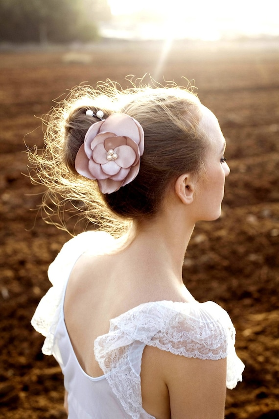 Free shipping -bridal headpiece -wedding floral hair comb with pearls beaded and crysrals