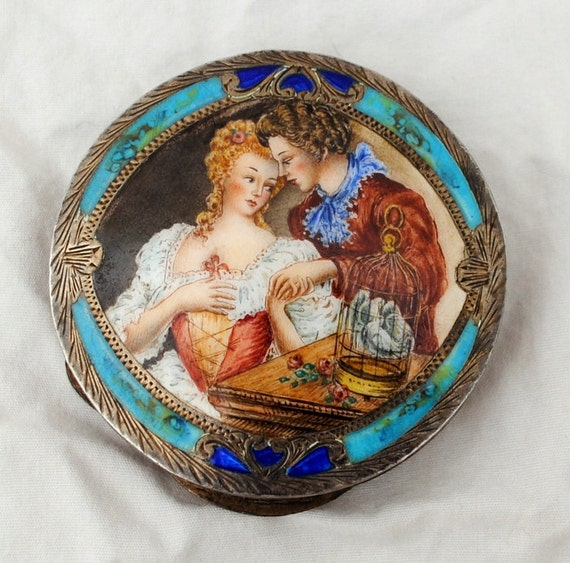 Rare Enamel Falaci Compact - 800 Silver - Handpainted Romantic Scene - Young Couple  1939 - 1946  Italy