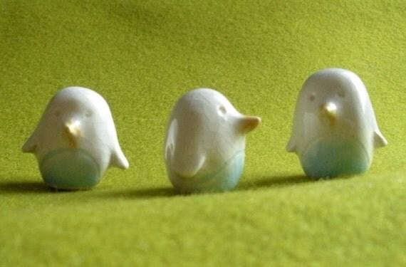Mini Crackled White Bird for your Terrarium