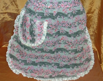 """Vintage Half Apron, SALE-Rayon Seersucker, Unusual Color Combo and Fabric: """"Climbing Up A Wall'"""