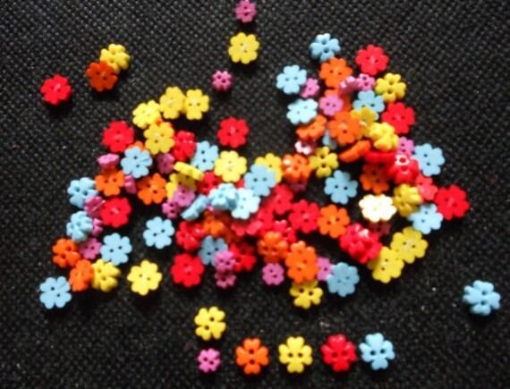 150 pcs tiny mini flower clover button 4 & 6 mm cute