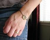 Real Pressed Flower Bracelet Botanical Jewelry Resin Pendant Keys of Heaven Plant Antique Brass Chain