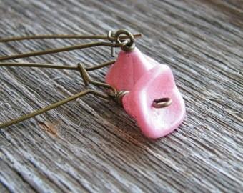 Pink Flower Earrings Czech Glass Earrings Long Kidney Earrings Delicate Lightweight Botanical Jewelry Simple Design Naturalist Earrings