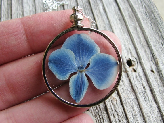 Framed Glass Plant Pendant Pressed Flower Necklace Blue Hydrangea Bridal Jewelry Sterling Silver Chain Nature Inspired Botanical Jewelry