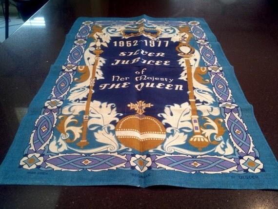 Irish Linen Tea Towel Queen Elizabeth II Silver Jubilee LIKE NEW