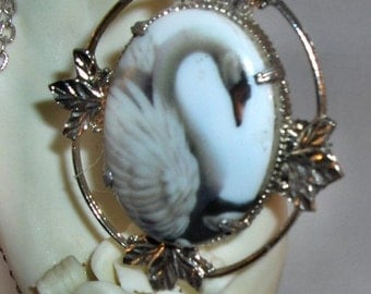 Elegant White Swan Cameo Silver Necklace
