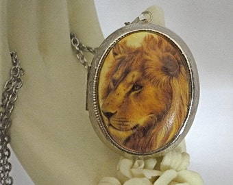 Awesome Lion Cameo Leo Zodiac Silver Locket Necklace