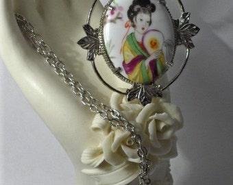 Elegant Oriental Lady Cameo  Necklace