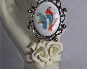 Two Beautiful Parrots on a Limb Cameo Brooch/Pendant/Necklace Combination