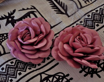 Light Purple Satin roses