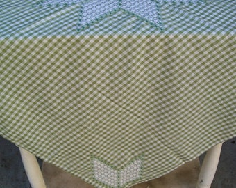 Country Apples Green Gingham Vintage Tablecloth