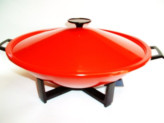 West Bend Vintage Electric Wok Mandarin Red Like New...SALE...WAS 18.50
