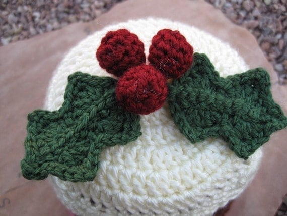 PATTERN - Crocheted Christmas Plum Pudding Hat with Holly Pattern