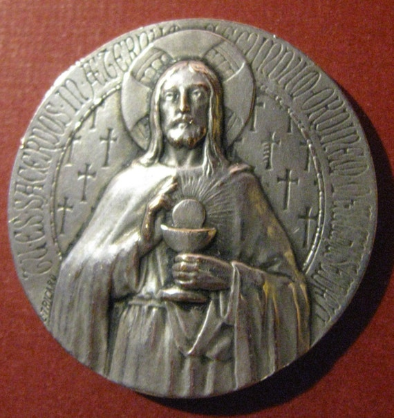 Antique Religious Medal French Christ With The Eucharist Circa 1900 Signed L. Tricard SS-214