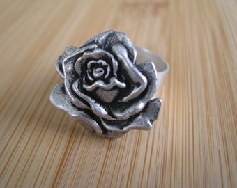Has Its Thorn Silver Rose Flower Ring