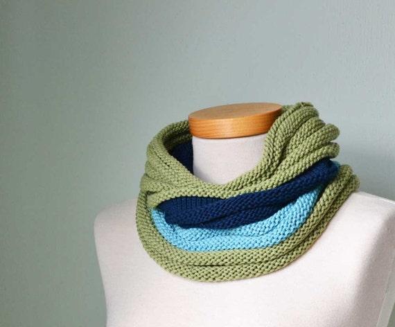 NINA, Knitting cowl pattern, PDF