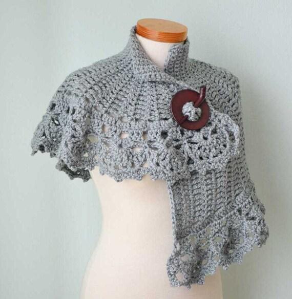 Asymmetrical capelet, PDF crochet pattern