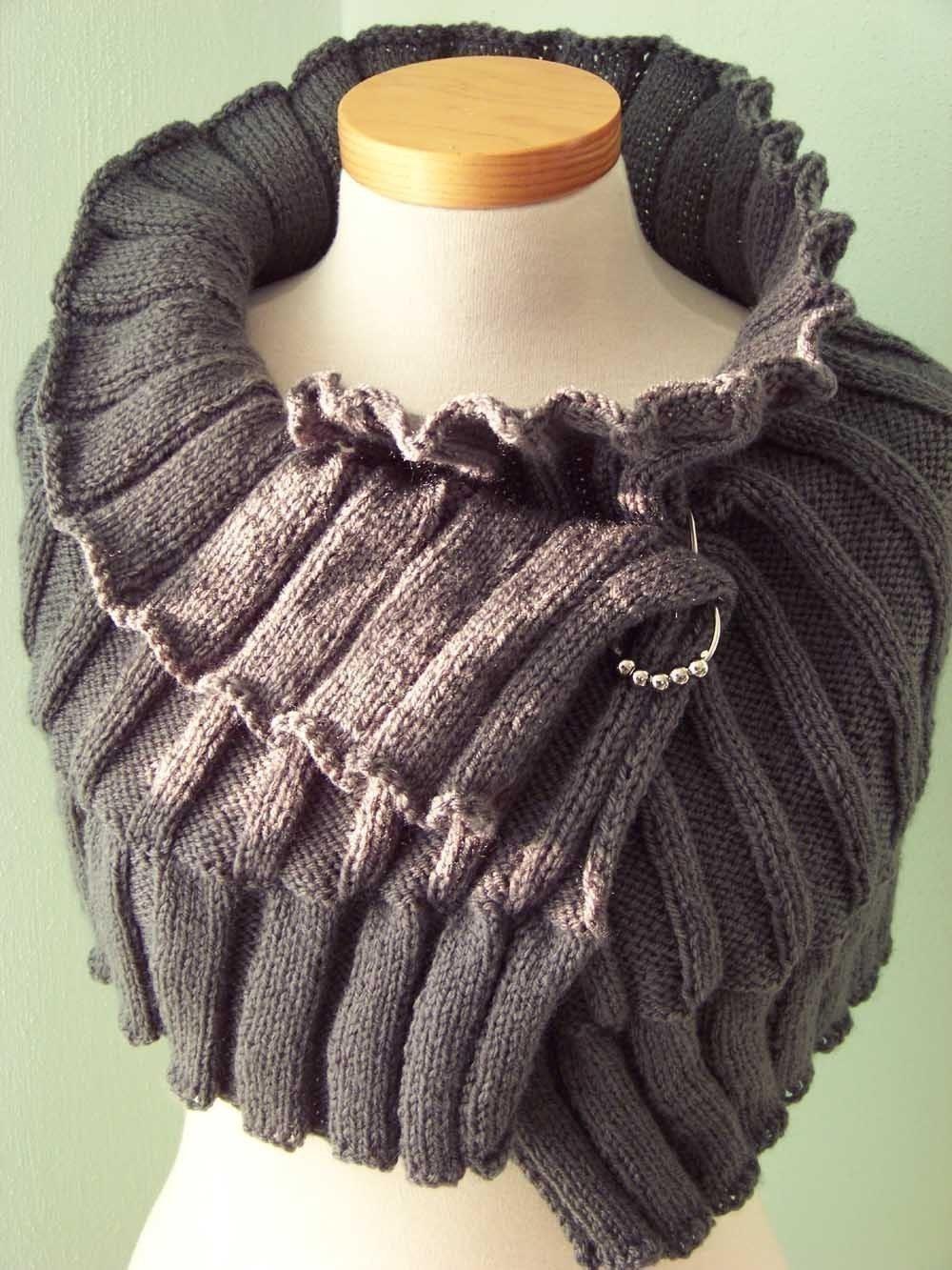 Knit Capelet Pattern : SELMA Knitting capelet pattern PDF