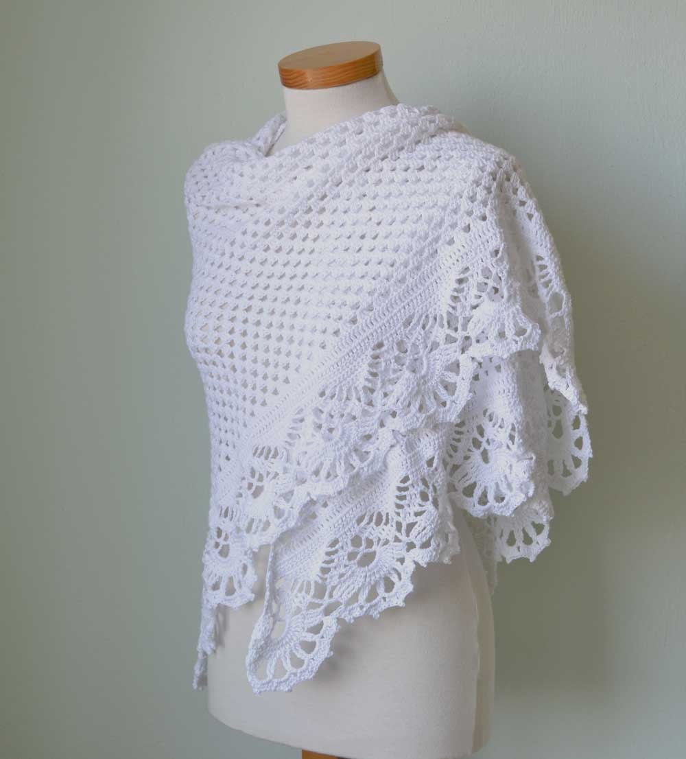 Crochet Shawl Pattern : VICTORIA Crochet shawl pattern PDF by BernioliesDesigns on Etsy