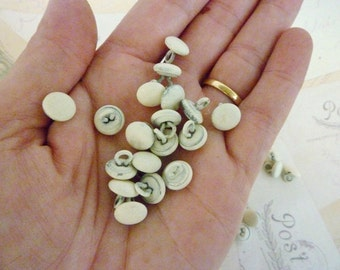 Vintage Metal Dome Buttons - Cream - Pack of 20