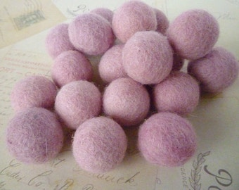 Felted Wool Balls x 10 - Light Pink - 2cm - Felt Balls
