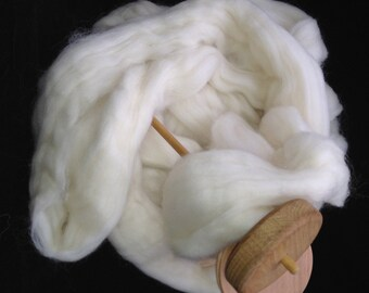 Corriedale Wool Spinning Top (roving) - undyed ecru - spinning/felting/dyeing - 4 ounces