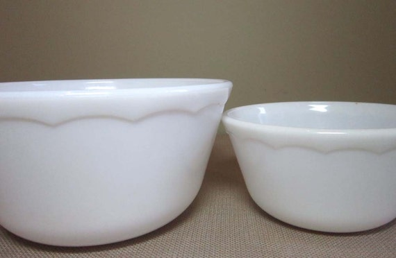 Set of Milk Glass Mixing Bowls