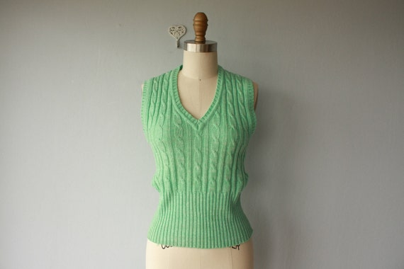 pastel sweater / 60s vest / 1960s sweater vest / mint green sweater / cable knit preppy vest - size small
