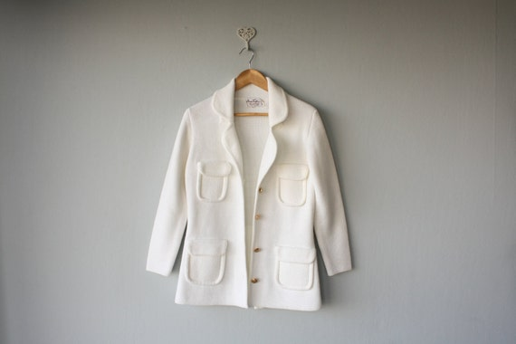 FREE SHIPPPING SALE / white cardigan / 1960s sweater / 60s cardigan  / white sweater - size small , medium