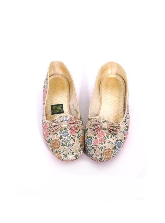 Vintage 60s Floral Embroidered Slip-On Ballet Flats 7.5