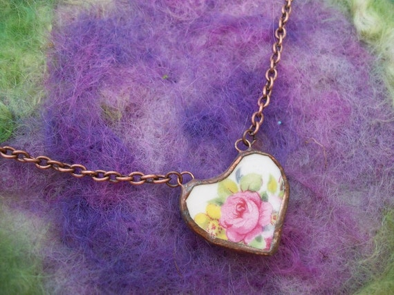 Vintage China Pink Rose Heart Copper Pendant Necklace