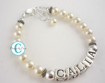 Girl Bracelet with personalized name and cream pearls