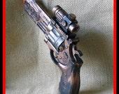 Steampunk cyber gothic gun pistol laser LARP Prof. Von Kreuzenberg gun tool to another dimension ------ DIRECTLY FROM YEAR  2053---- 2-3 Days SHIPPING