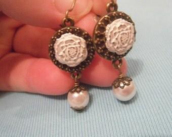 Rosebud  Earrings - Wedding Day Earrings -Pearl Earrings - Bride Earrings