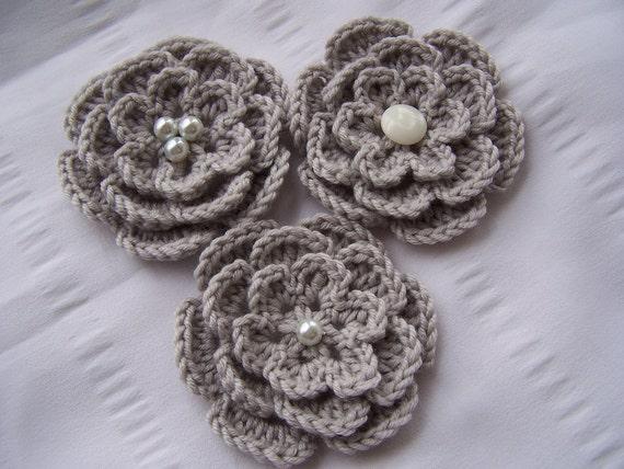 Appliques 3 hand crochet flowers 3 inch light gray