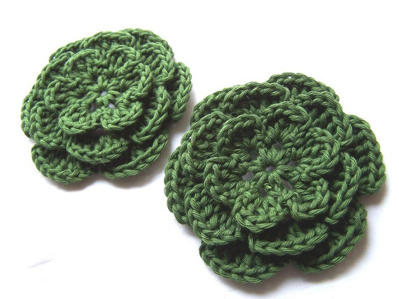 Appliques 2 hand crocheted flowers 3.5 inch embellishment sew on cotton hunter green
