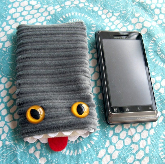 Iphone 3 case Monster cellphone cozy