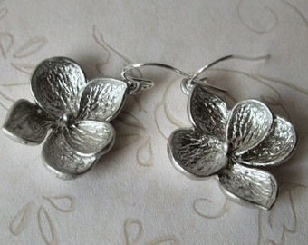 Dogwood Petals Earrings Silver, Everyday Earrings, Gift for, Bride, Bridal Party, Birthday, Sister, Girlfriend, Mother, Wife