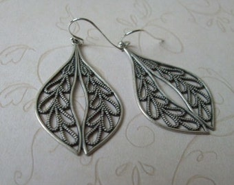 Leafy Teardrop Earrings Silver Jewelry