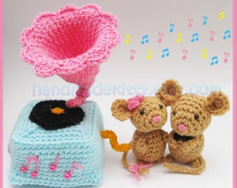 Mouse Couple playing with Gramophone Amigurumi PDF Crochet Pattern