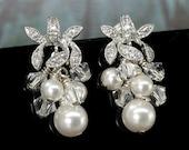 Bridal Earrings, Pearl Earrings, Wedding, Swarovski Bridal Jewelry, Cluster Earrings, Pearl and Crystal Drop Earrings