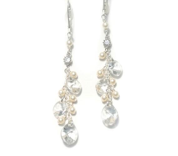 Bridal Earrings Dangle, Cluster Earrings, Pearl and Crystal Wedding Earrings, Swarovski Crystal Earrings, Bridal pearl Earrings