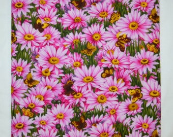 Pretty Pink & Fuschia DAISIES And BUTTERFLIES Triple Layer Reversable Reversible Cotton Table Runner 38.2 x 12.4 Inches