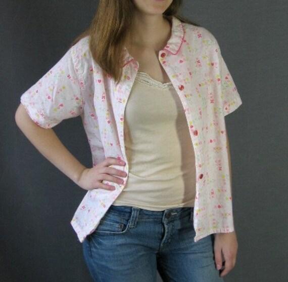 60s Vintage Women's Camp Shirt Pink Pajama Top Floral Print Medium to Large