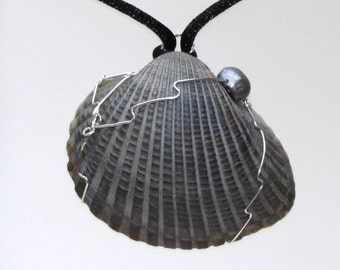 Nights Tide - Shell and Black Pearl Sterling Silver Pendant