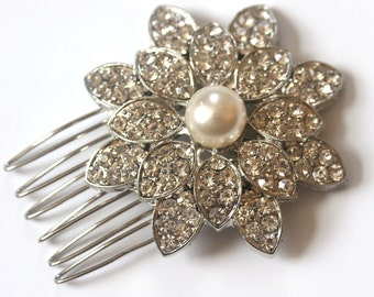 Rhinestone and pearl bridal hair comb, Silver Vintage style diamante and pearl floral headpiece, wedding hair comb, wedding jewelry