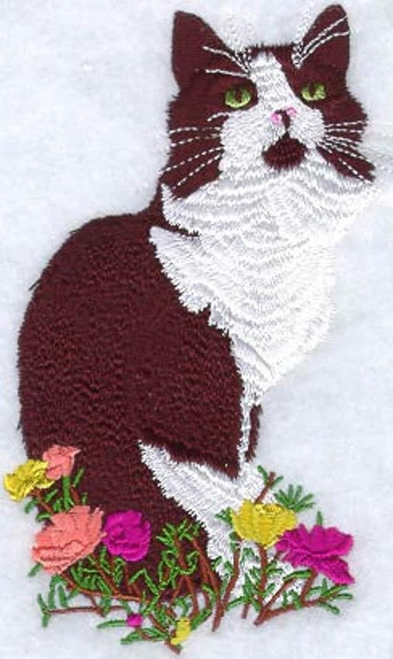 BLACK and WHITE CAT - Machine Embroidered Quilt Blocks (AzEB)